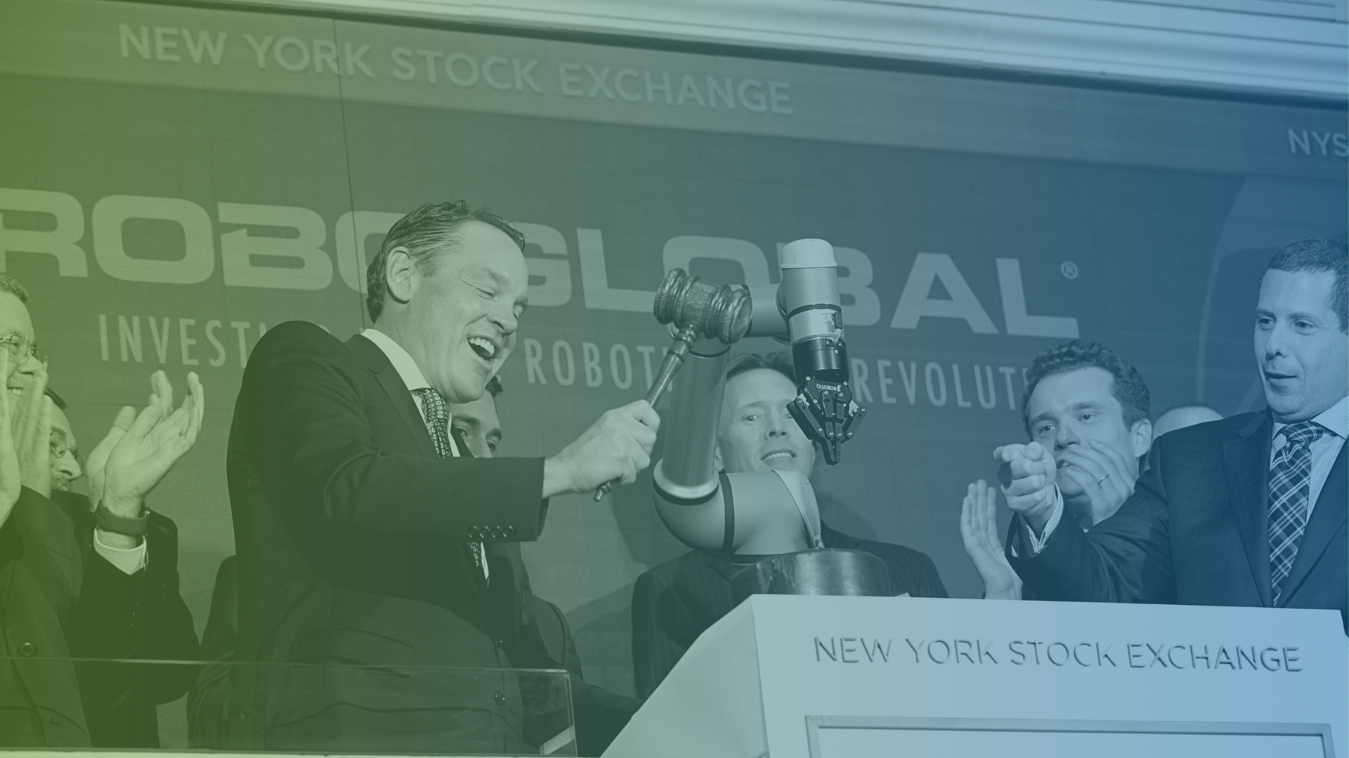 Team at NYSE with gavel-1